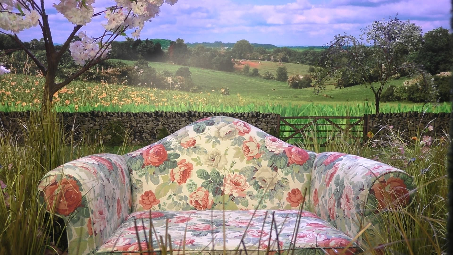 Channel 5 have revealed an image of the diary room chair for the series starting tonight. & Big Brother Global: Diary room chair revealed - Big Brother 18 [bb 2017]