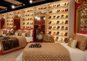 Celebrity_Big_Brother_2014_-_CBB13_-_House_-_Bedroom_-_Shoes.jpg