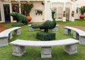 Celebrity_Big_Brother_2014_-_CBB13_-_House_-_Garden_-_Hedge_Sculpture.jpg