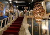 Celebrity_Big_Brother_2014_-_CBB13_-_House_-_Staircase_2.jpg